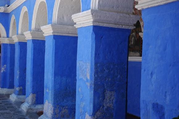 Barve samostana.