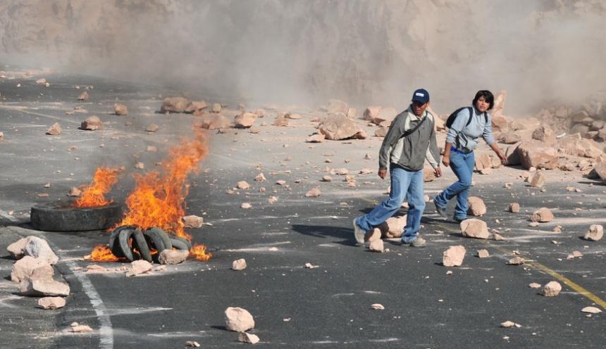 Še pomnite sopotniki – Cestna blokada pri Arequipi